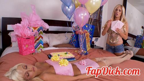 Tashareign.com - Rikki Six, Tasha Reign - For Her Birthday [HD 720p]