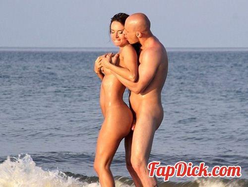 ActricesDelPorno.com - Franceska Jaimes - En Franceska Jaimes Follada En La Playa [SiteRip]