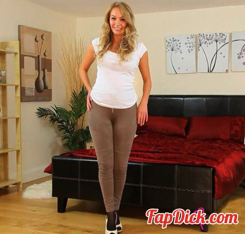 OnlyTease.com - Hayley-Marie [HD 720p]