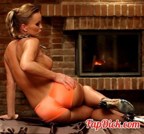 Silviasaint.com - Silvia Saint - Silvia Gets Hot by the Fireplace - BTS [SiteRip]