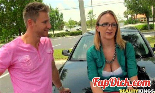 MilfHunter.com/RealityKings.com - Danielle - Give it good [SD]