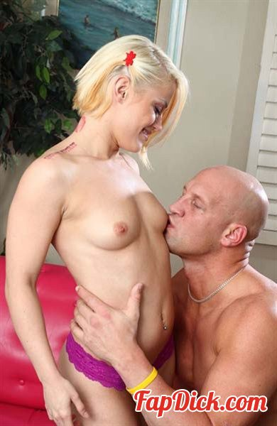 Teengirls.com - Ash Hollywood - Wild Blonde Teen Ash Hollywood Injected with Cum [HD 720p]