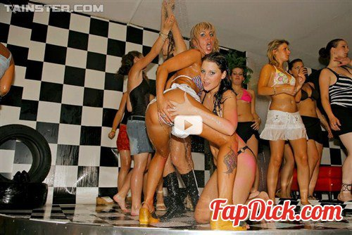 Drunksexorgy.com/Tainster.com - Victoria Rose, Christina Lee, Sara, Jenna Lovely - DSO Racing Hos Part 1 - Shower Cam [SD]