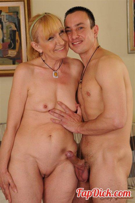 Older women glory hole creampie porn