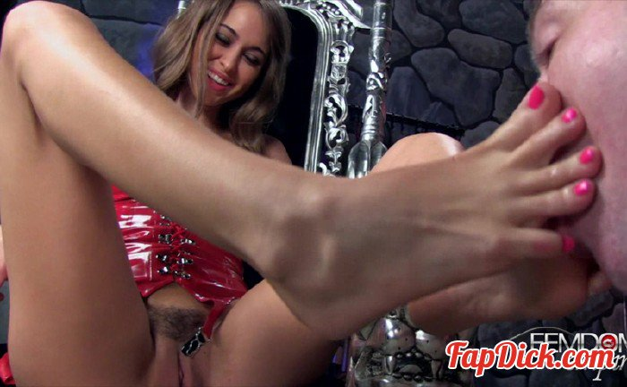 FemdomEmpire.com - Riley Reid - Bitchy Foot Princess [HD 720p]
