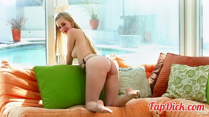 Twistys.com - Stacie Jaxxx - A Nice Day To Cum [HD 720p]