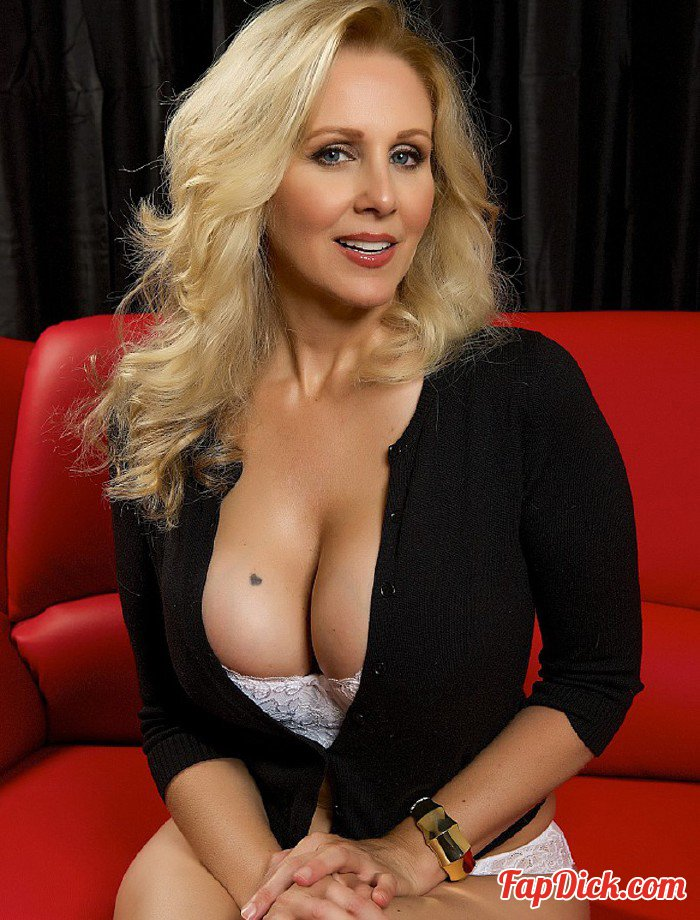 PornstarTease.com - Julia Ann - Time With Julia [HD 720p]