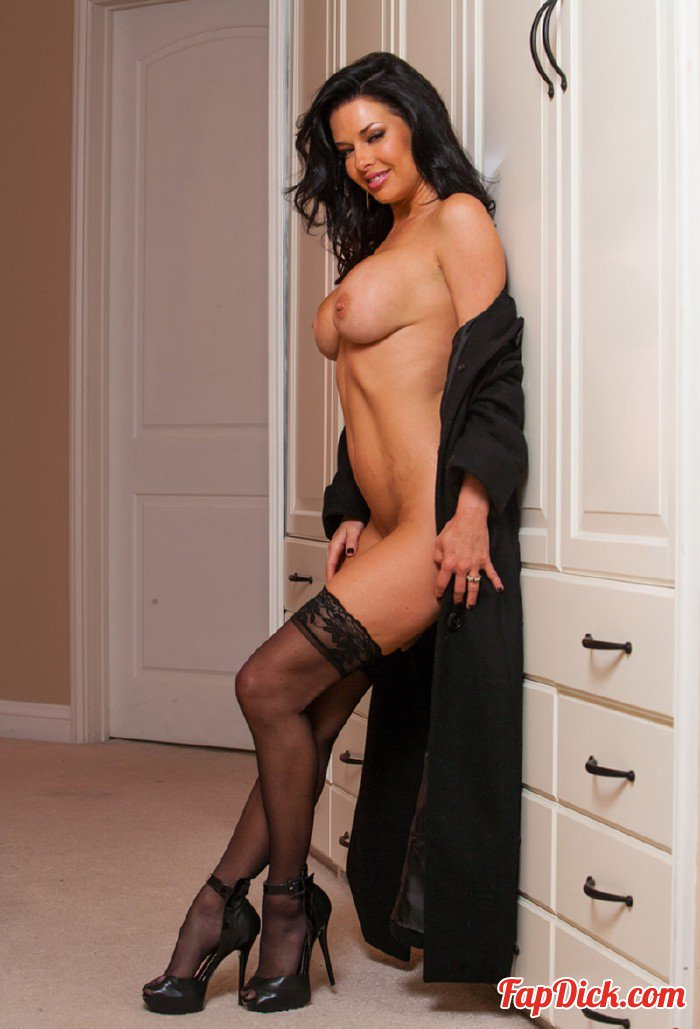 DirtyWivesClub.com - Veronica Avluv - Charmed Indeed [HD 720p]