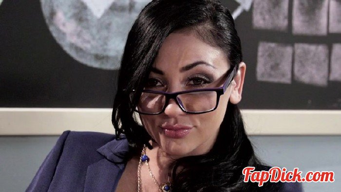 BigTitsAtSchool.com/Brazzers.com - Audrey Bitoni - The Big Things in Life [SD 480p]