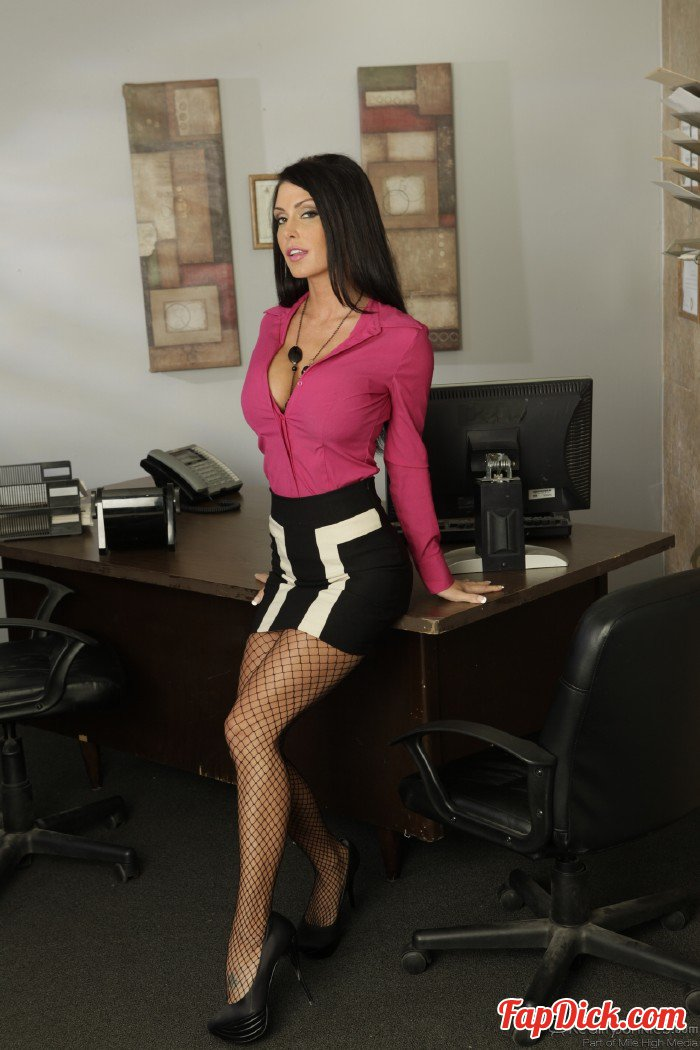 RealityJunkies.com - Jessica Jaymes - Office Perverts Vol 8, Scene 2 [HD 720p]