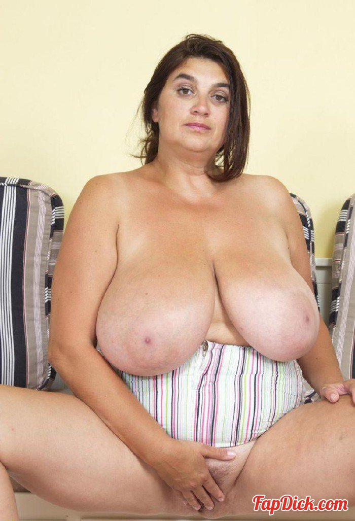 Pictures of older women with big tits