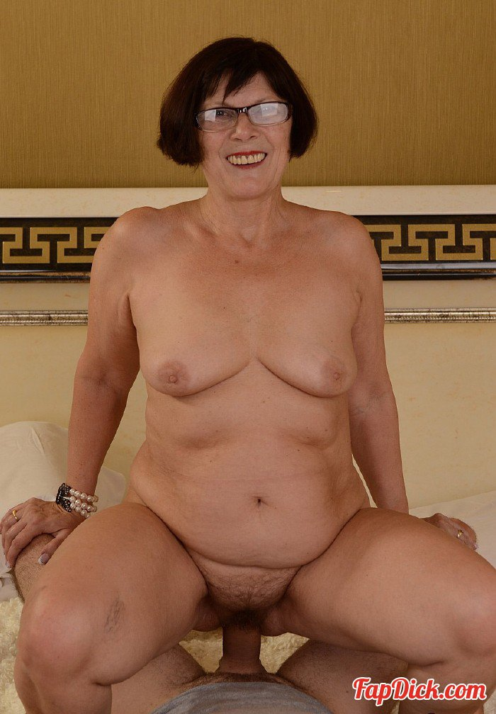 LustyGrandmas.com/21Sextreme.com - Margo T - Even Without Glasses [HD 720p]