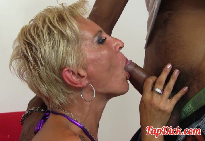 Mature.nl - Elenia (40) - Mat-oldies 133 [HD 720p]