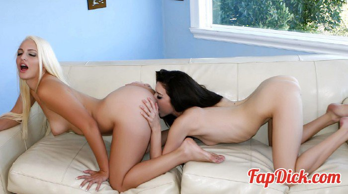 StepSiblings.com/Teamskeet.com - Macy, Lola - You've never kissed a girl [HD 720p]