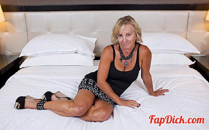 MomPov.com - Paulina - 50 year old naturally busty Czech woman [HD 720p]