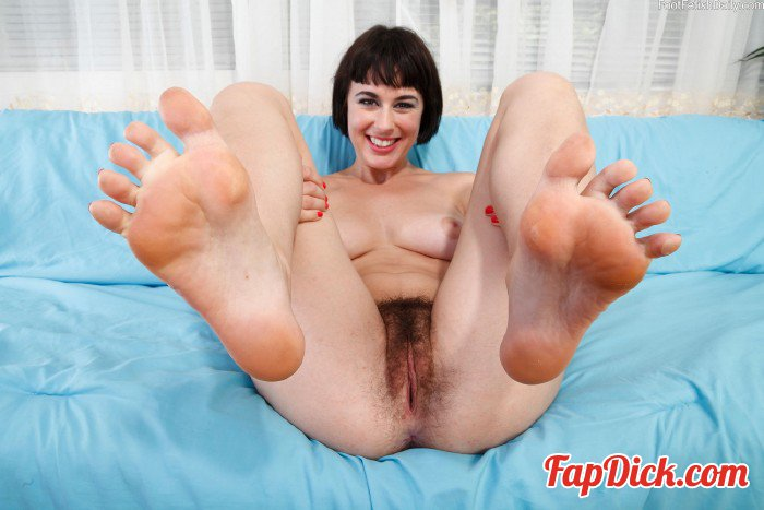 FootFetishDaily.com - Coco Living - Photos [HD 720p]
