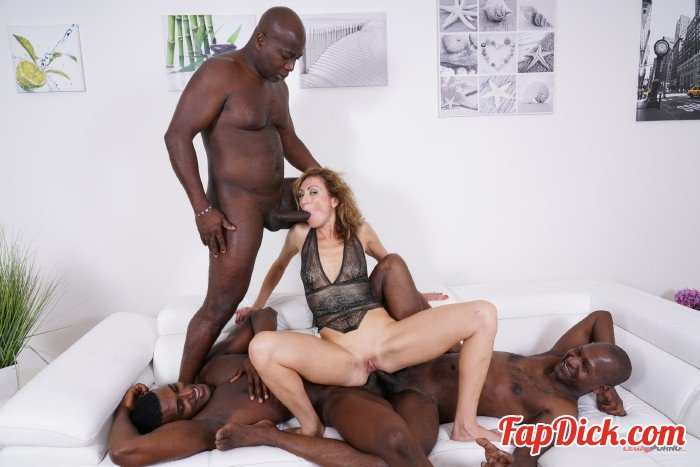 LegalPorno - Julia North - Julia North First anal and first black cocks for kinky bitch IV334 [HD 720p]