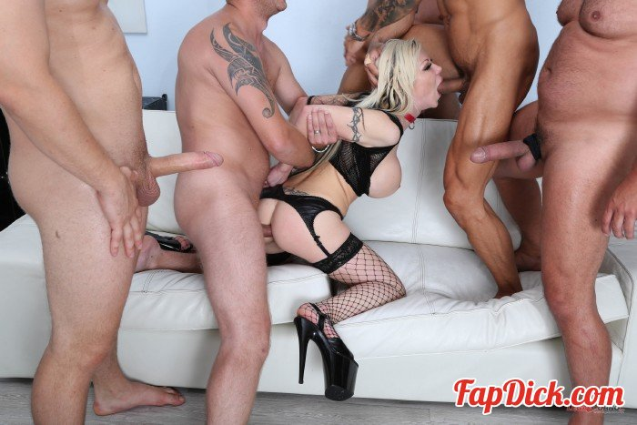 LegalPorno - Barbie Sins - Manhandle, goes Rough with Balls Deep Anal, Gapes, DAP, Swallow GIO1118 [HD 720p]